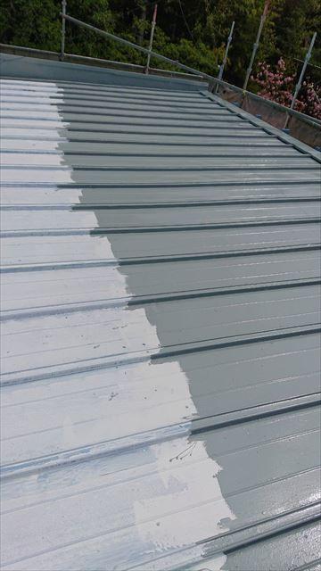 恵那市で屋根塗装 中塗り