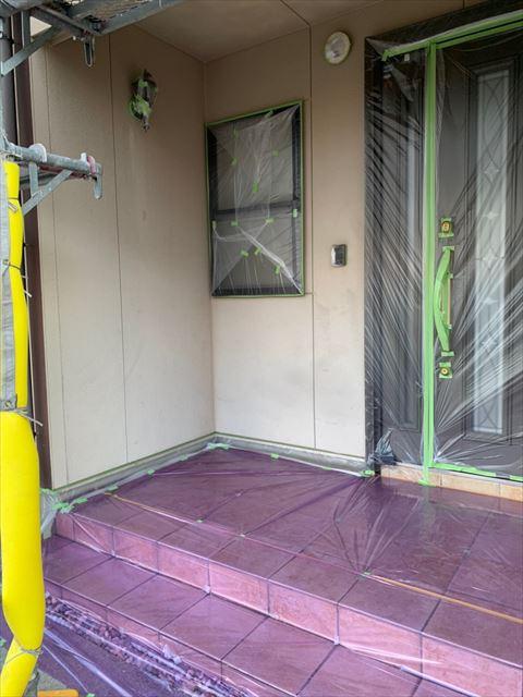 多治見市、玄関ドア・窓の養生