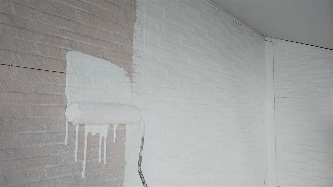 土岐市下石町外壁中塗り