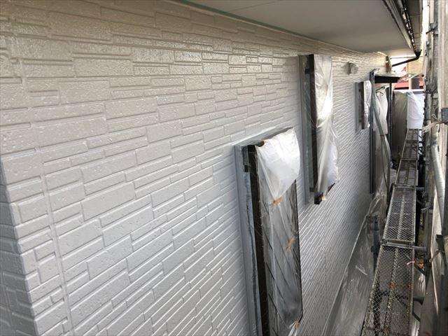 外壁の上塗り塗装、完了