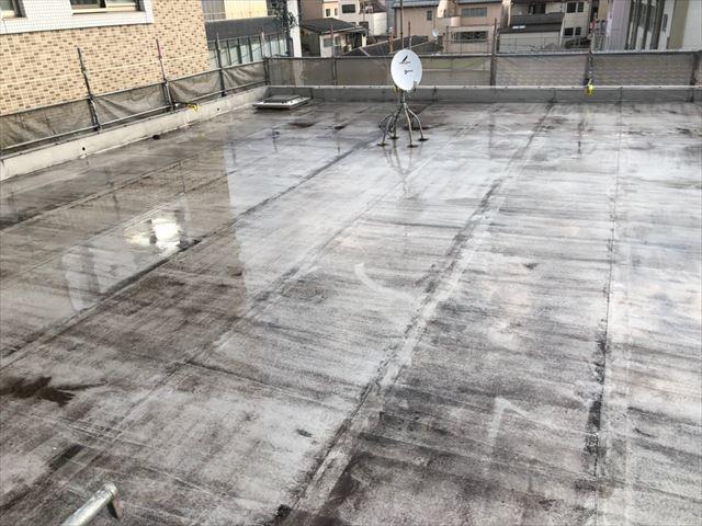 屋上の洗浄です