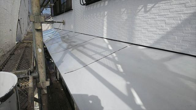 トタン屋根の下塗り、完了
