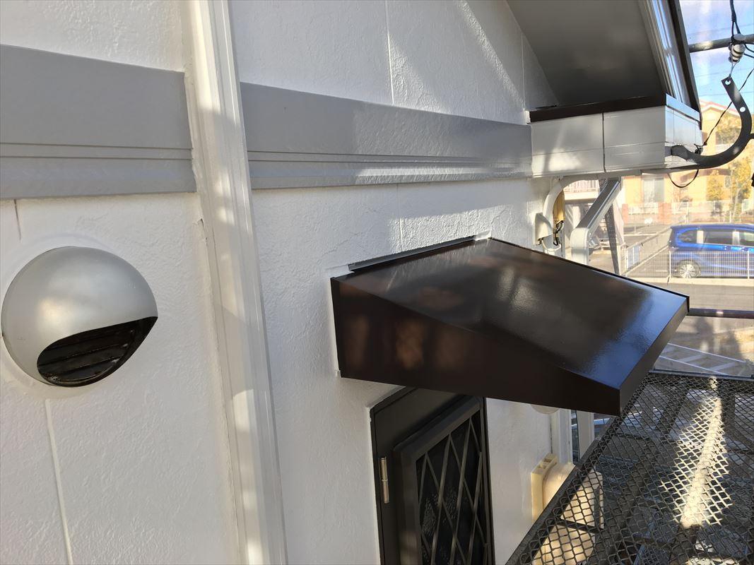 多治見 外壁塗り替え 庇の上がべろべろ 庇の塗装