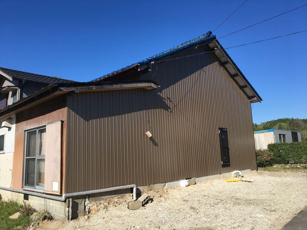 土岐市 家屋解体 外壁補修 外壁板金張り