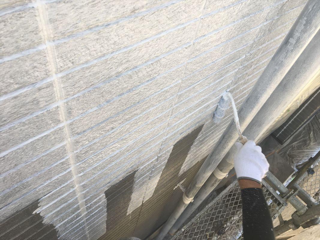 多治見市 外壁の塗り替え 下塗りで密着アップ 塗料の密着をよくする方法