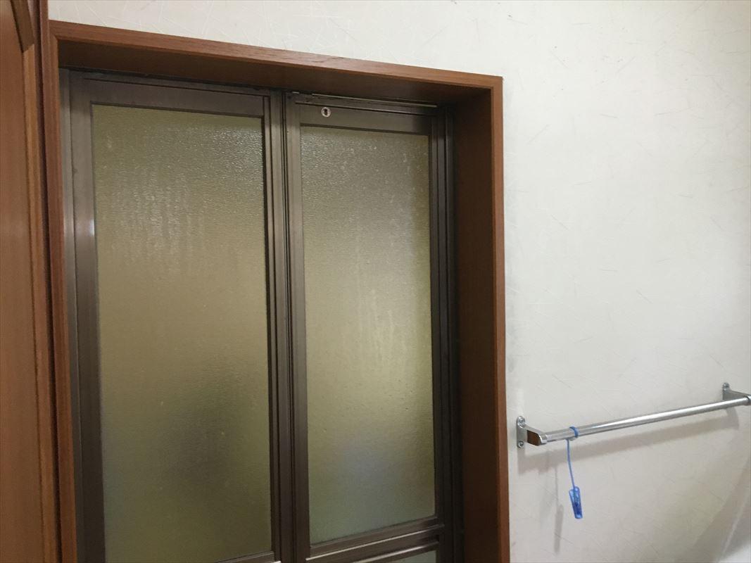 多治見市 風呂ドアの交換 ドア枠がプニプニ