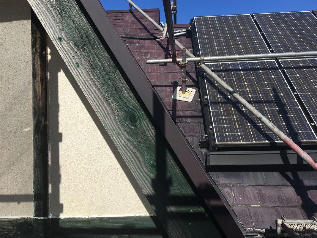 春日井市 屋根塗装 急な屋根には足場を組んで塗装