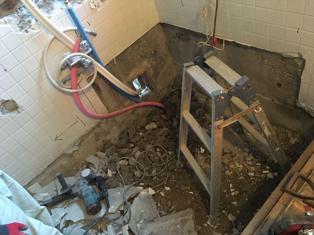 多治見市 お風呂の解体 浴槽って取れる