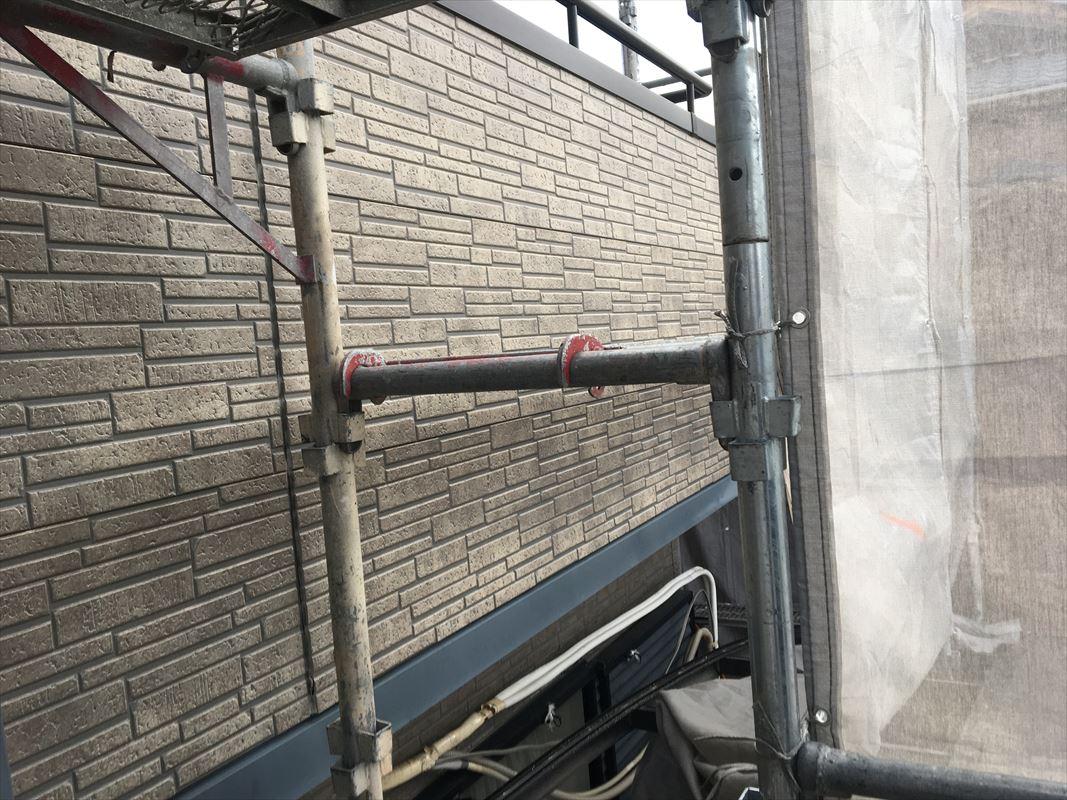 土岐市で外壁にガルバ材をカバー工法にて重ね張りしています!