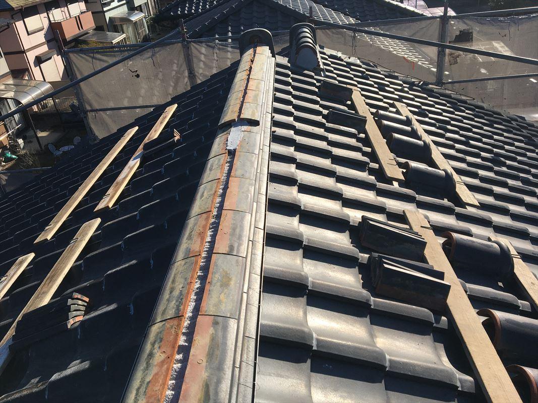 土岐市 屋根の補修 棟の漆喰が取れる 漆喰が落ちてきた