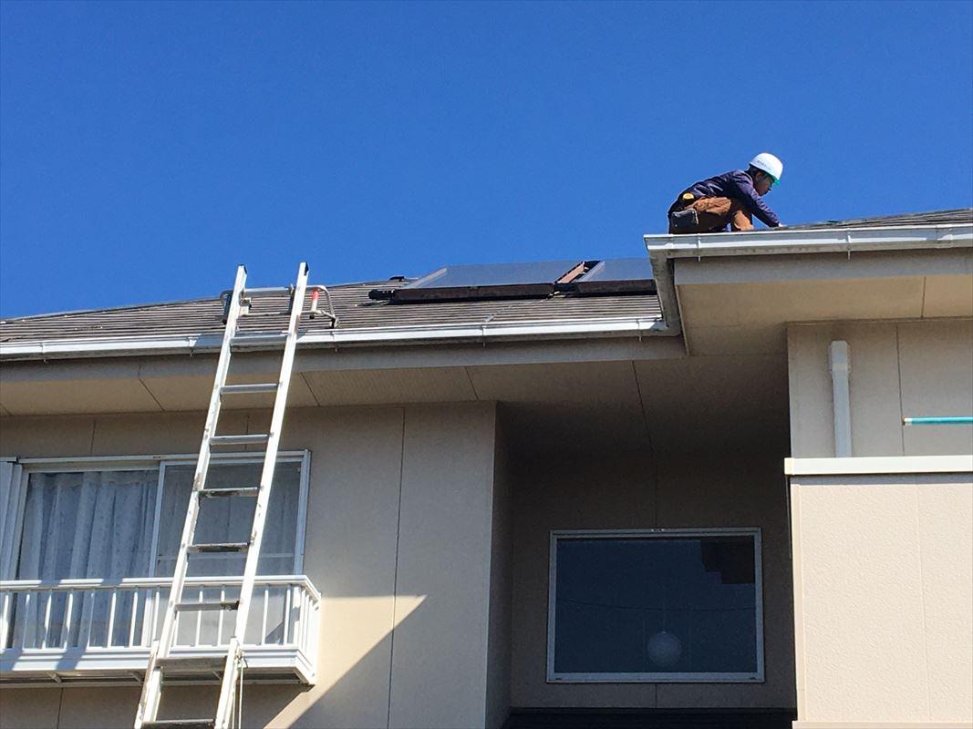 多治見市 屋根の塗り替え ソーラーが乗っている屋根の塗装 屋根の点検