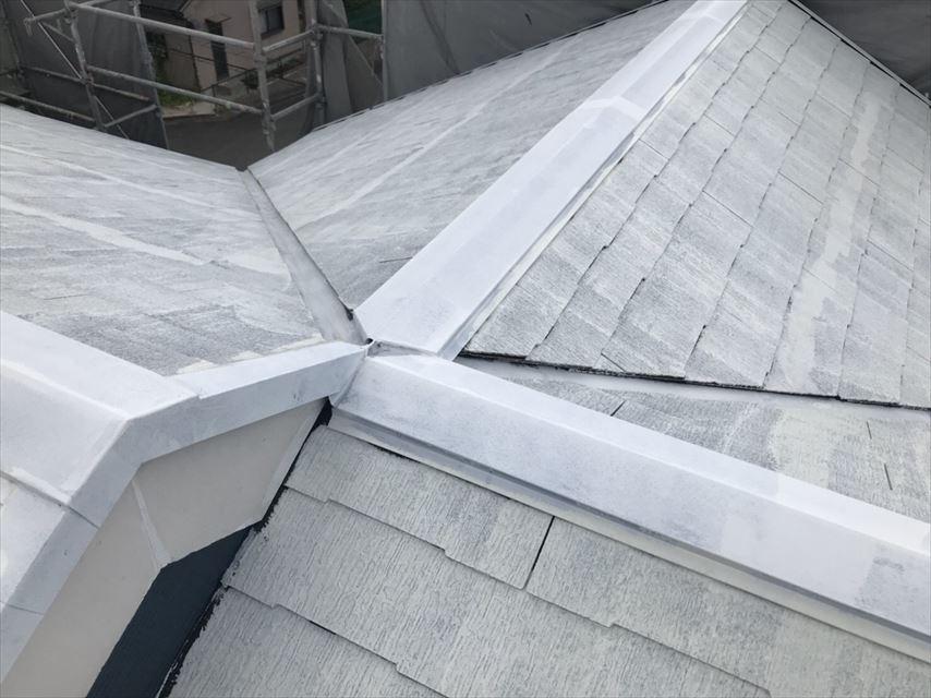 土岐市スレート屋根下塗り