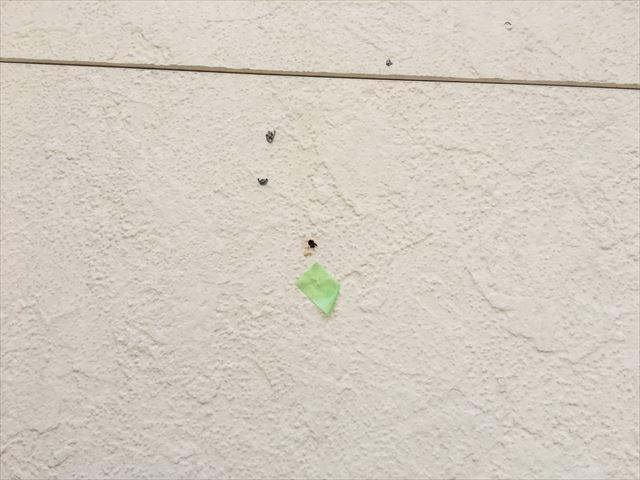 瑞浪市、外壁の小さな穴