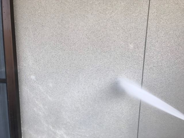 外壁の洗浄です