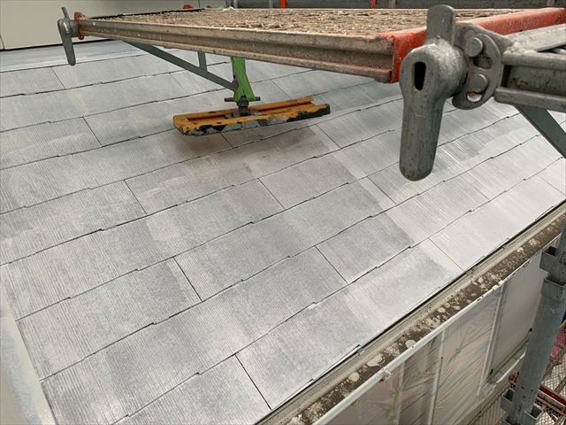 恵那市で屋根下塗り