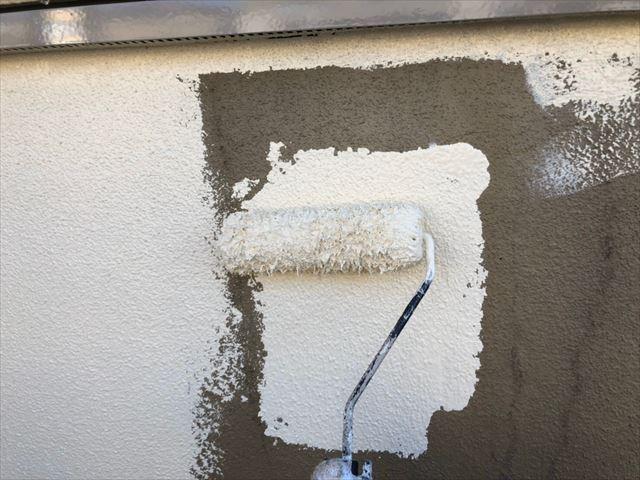 ブロック塀の1回目塗装です