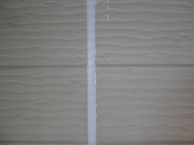 恵那市大井町で外壁塗装、コーキング材打ち込み