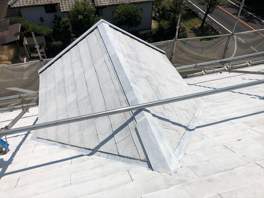 屋根の下塗り2回目塗装です
