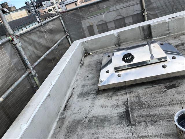 屋上の入隅のコーキング補修