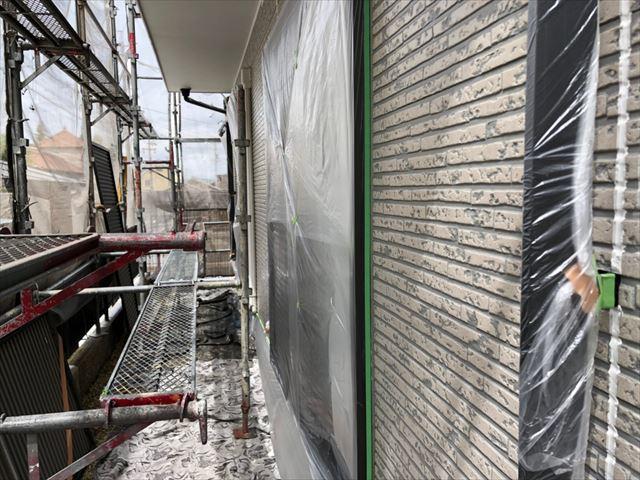 土岐市で外壁塗装、下塗り1回目