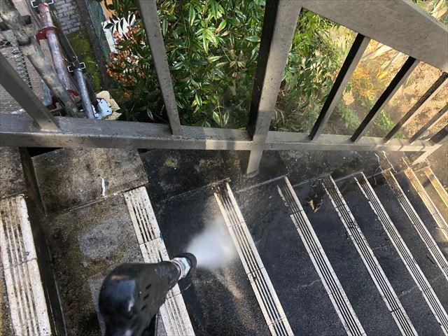 恵那市長島町で階段バイオ洗浄