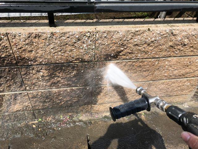 土岐市、ブロック塀の洗浄