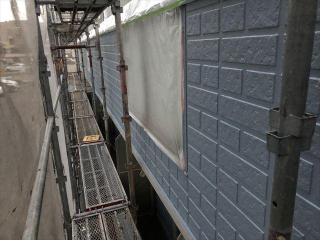 サイディング外壁の中塗り塗装